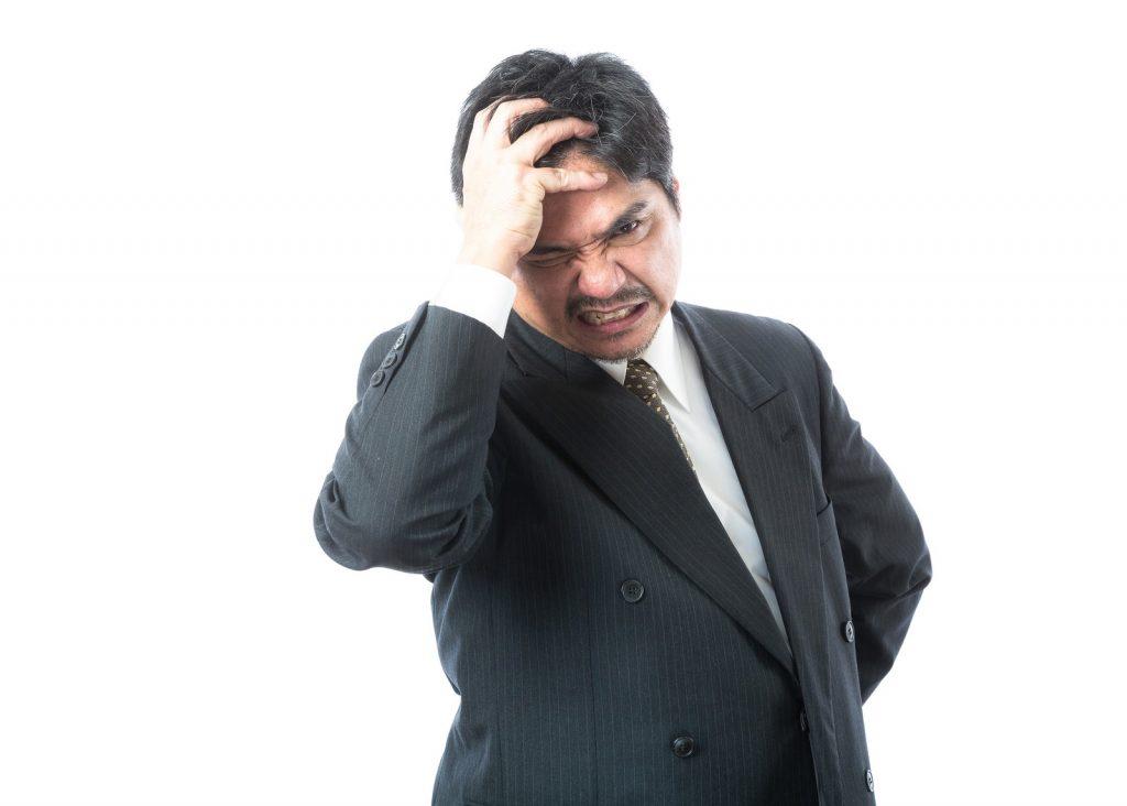 レーサー脱毛後に男性ホルモンの乱れでヒゲが濃くなる男性