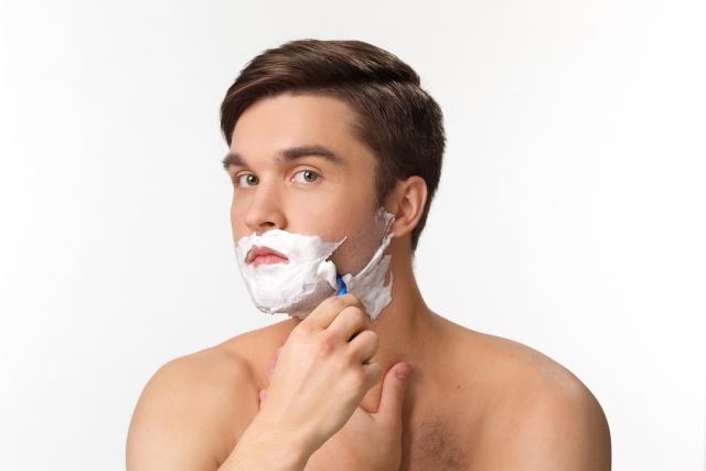 青髭の深剃り・逆剃り