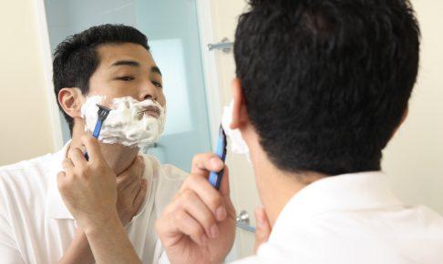 髭を剃りすぎると髭が濃くなる?毎日剃ると青髭になるの?